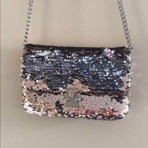 Handbags - Gold silver crossbody chain bag